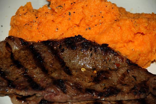 Steakandsweetpotatoes