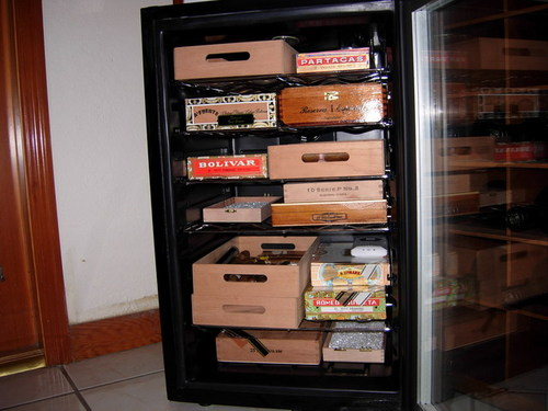 avanti wine cooler turned humidor 2